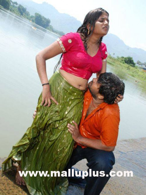 Malayalam Actress Wet Hot Sizzling Pictures