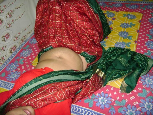 Sleeping Desi Indian Masala Funny and Hot Hidden Cam Pictures Image 10