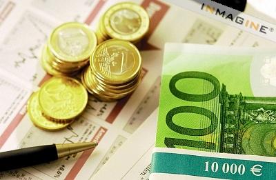 1 Euro = 1.3 Dollars. Approximately.