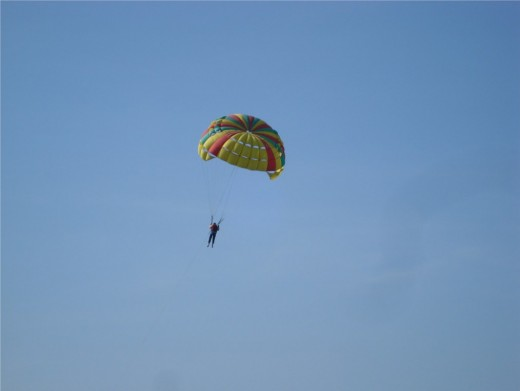 Parasailing in Batu Feringhi, Penang - Photo 3