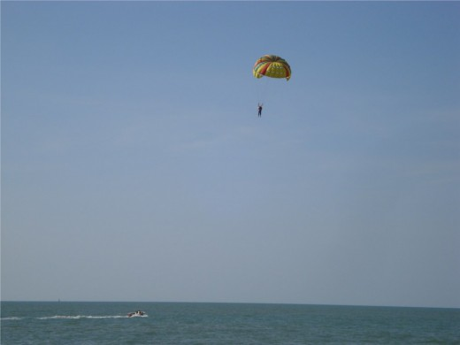 Parasailing in Batu Feringhi, Penang - Photo 5