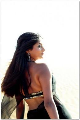 Back Show Priyamani