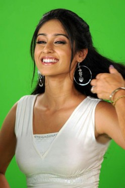 Cute Ileana Smiling Actress