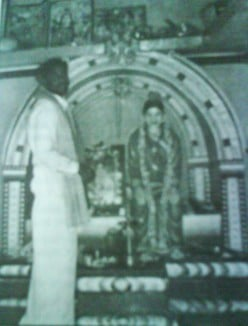 Rajuswami in front of wife Rajamma's idol