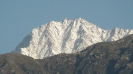 View of the Dhauladhar Mountains. Image courtesy the author