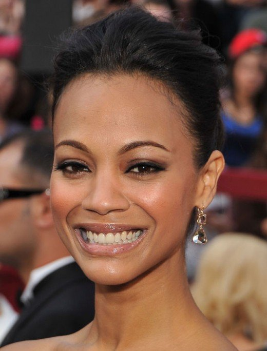 Zoe Saldana 2010 Oscars Close up