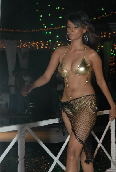Chula Bikini Show - Sri Lankan Model