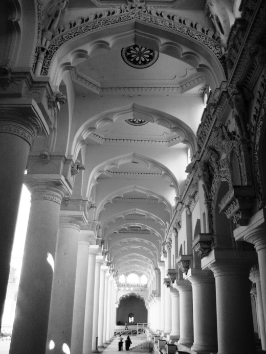 The pillar perspective in Black & white