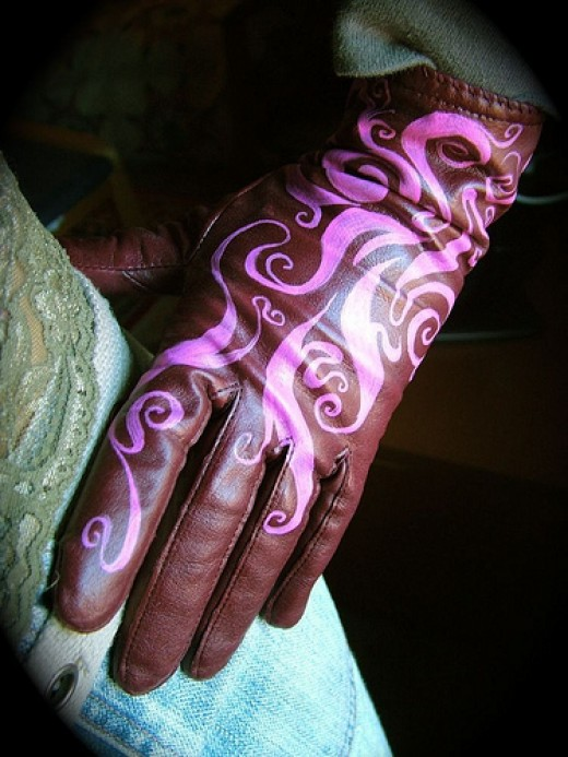 Leather Glove by Sarabbit