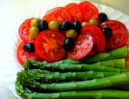 Vegetables: tomatoes and asparagus