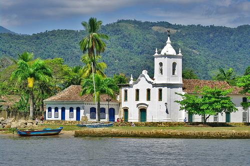 Paraty Church - Courtesy: flickr.com/photos/55953988@N00/4162590295