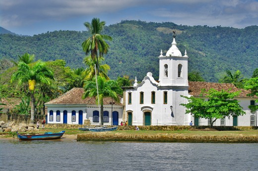 Paraty Church - Courtesy: flickr.com/photos/55953988@N00/4162590295