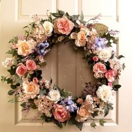 Decorative Outdoor Wreaths