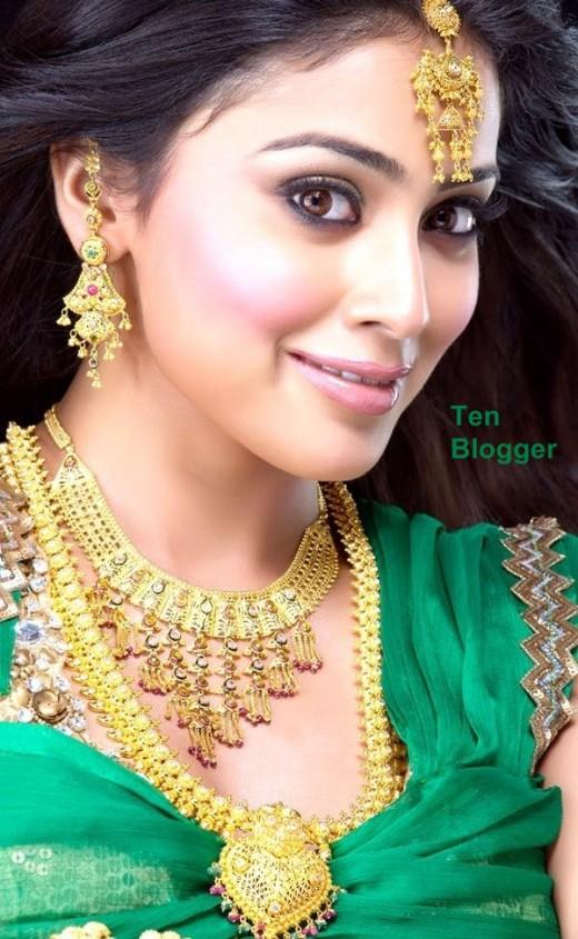 Shriya Saran - Gold Jewelry - Necklaces