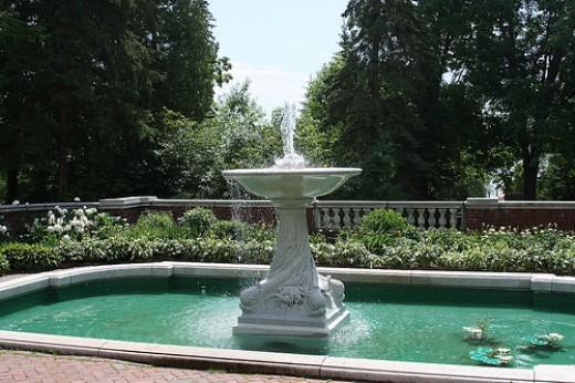 Glensheen Fountain