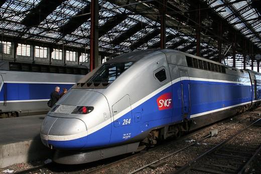 TGV - a fantastic train, bullets along at upwards of 200kmph.
