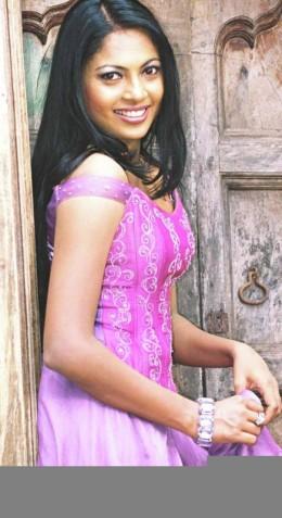 Sri Lankan Girl - Himali Sayurangi
