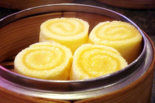 Steamed Egg-Yolk Cream Roll