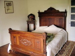 I chose French antique beds