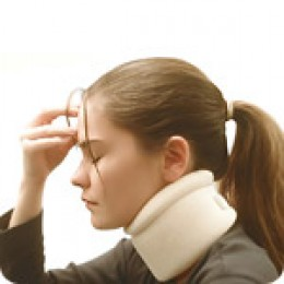 A cervical collar is not always recommended for treating whiplash. (c) www.footlevelers.com