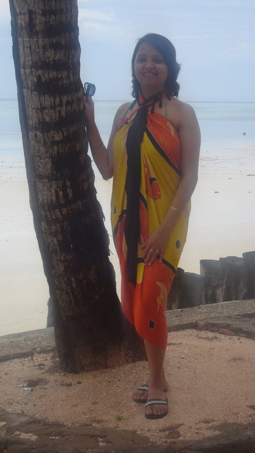 hot desi aunty show big breast in swimsuit