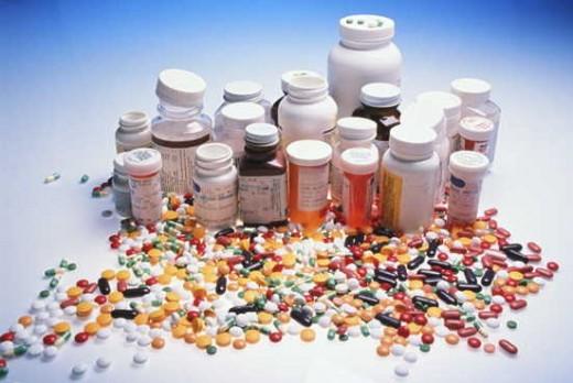 http://depts.washington.edu/pharma/MTM/Images/pills1.jpg