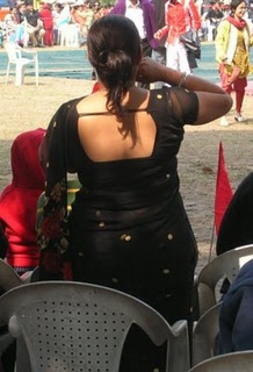 Indian Aunty Back Image 6