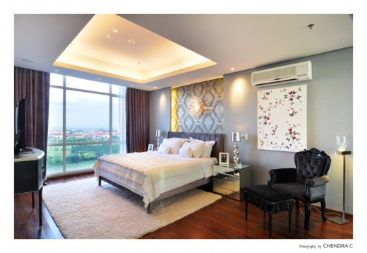 A bedroom in golf view apartment