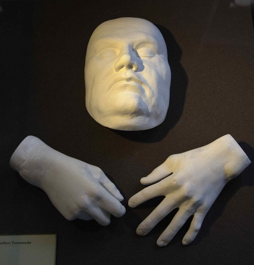 DEATH MASK OF MARTIN LUTHER 1546