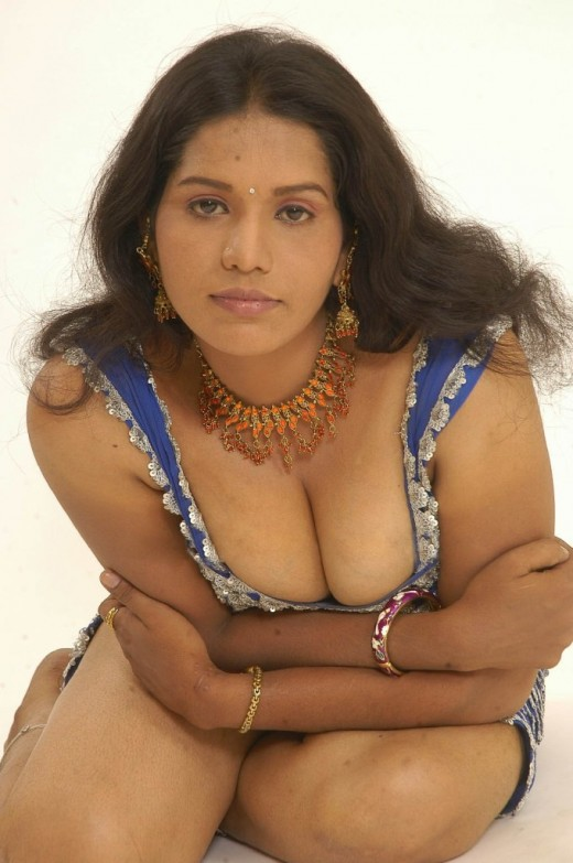 Hot Collection: Devi - Tamil Girl BIG Boobs Photo
