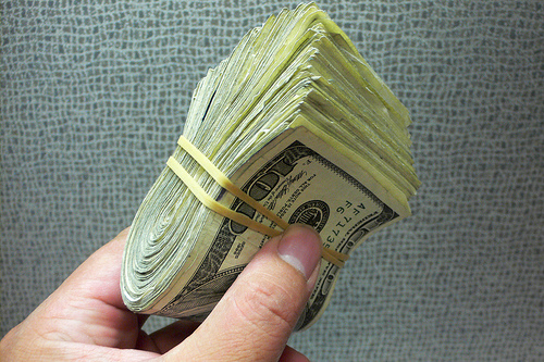 Freelance writers dream of the day they can make an income like this.