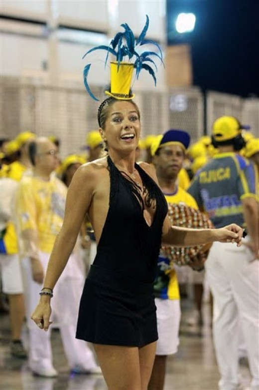 Adriane Galisteu Queen in 2010 Carnival by Foto BR