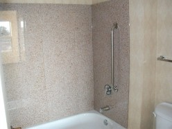 Do-It-Yourself Bathroom Remodeling: Tub Surrounds