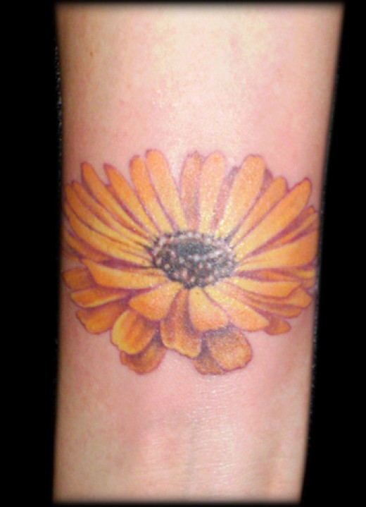 Jeeez see wat I mean, a blinking daisy tattoo is my next wrist tattoo,