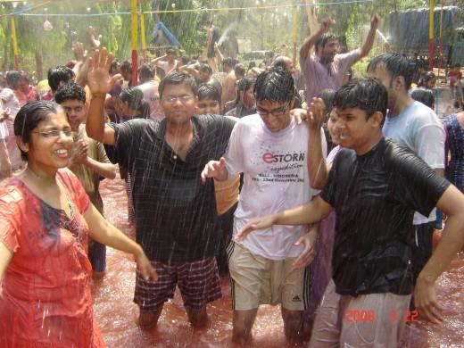 hot college girls rain bath wet her dress show body