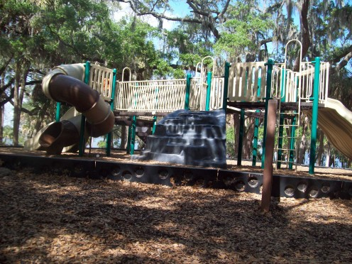 Philippe Park offers 3 playgrounds for the kids. (Photo by cvanthul)