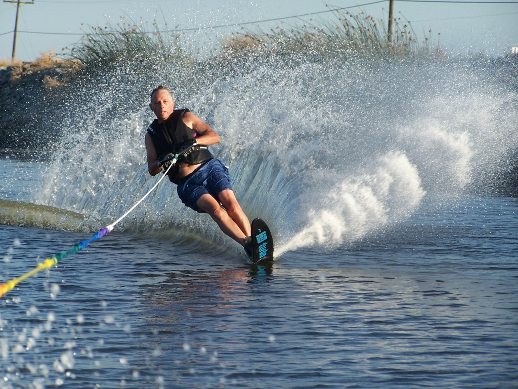 How to Water Ski on Two Skis (with Pictures) - wikiHow
