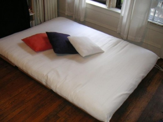 Futon mattress - Courtesy: bedzine.com