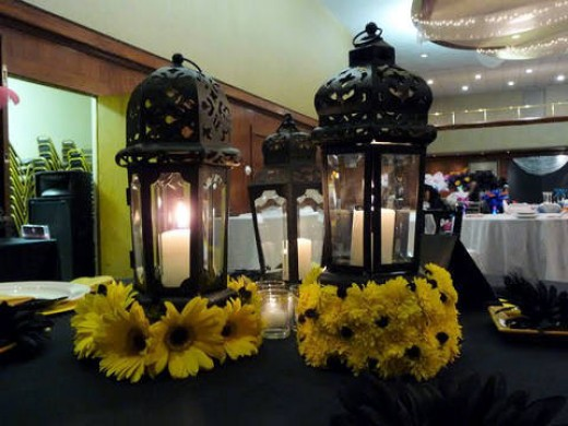 nonfloral reception centerpieces lanterns and candles