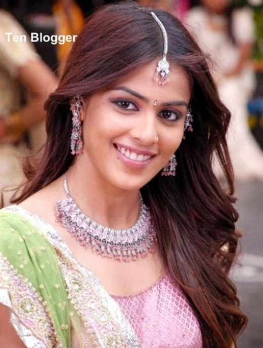 Genelia - showing off new trendy  Necklaces