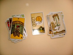 How To Read Tarot Cards - Horoscope Spread