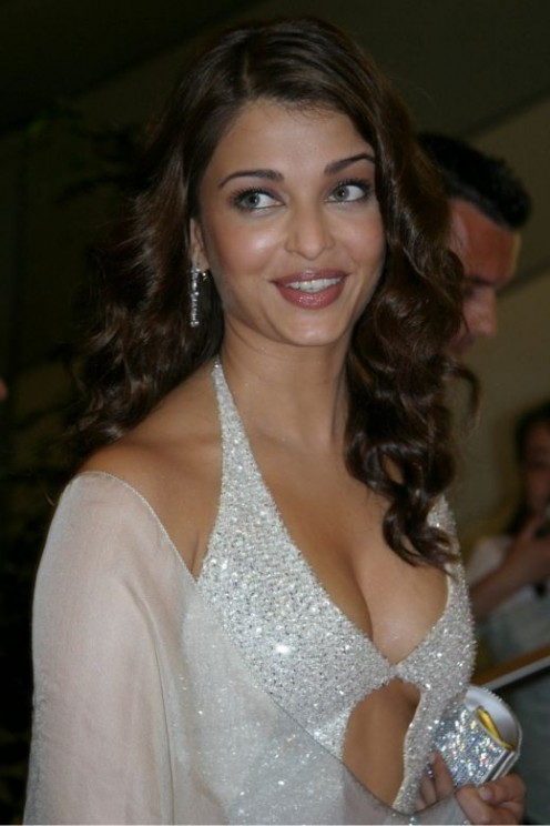 Aishwarya Rai Blue Film | Aishwarya Rai Photos | Aishwarya Rai Wallpapers Image 2