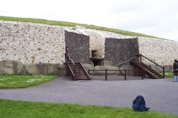 Newgrange spirit mound