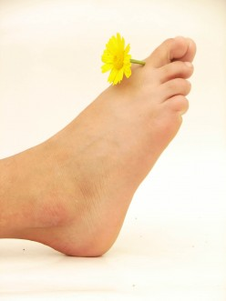 What is ToeNail Fungus? And How Do I Cure Nail Fungus?