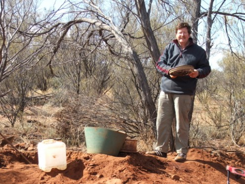 Modern prospector: looking for Garnets, Gemtree, Northern Territory Australia: Photo: Lissie