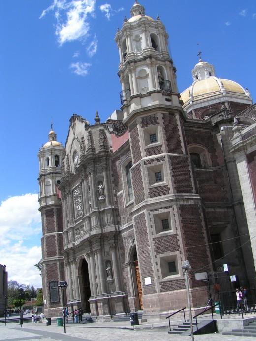 Old Baslica de la Guadalupe, Mexico City/Photo by: Jan Zatko Source: Wikipedia Commons