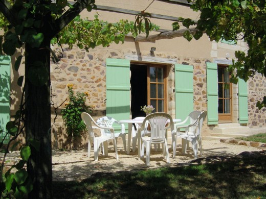The newly converted gite has three en-suite shower rooms and WC's.