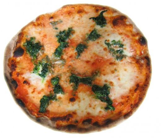Italian Spinach Pizza by Nova on wikimedia commons