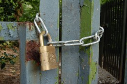 Strong passwords are like padlocks!