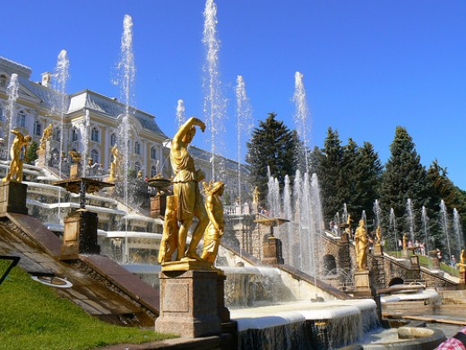 Grand Cascade, Peterhof. Photo by BBM Explorer.